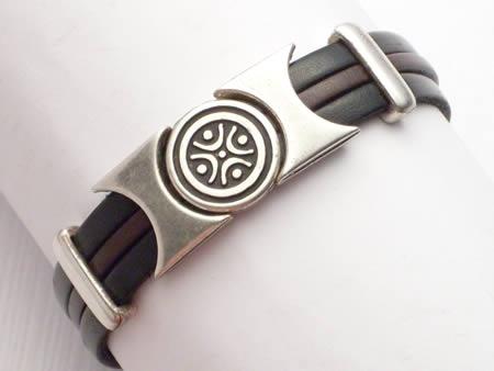 Edles Lederarmband mit Magnetverschluss, schwarz-braun, Kreis