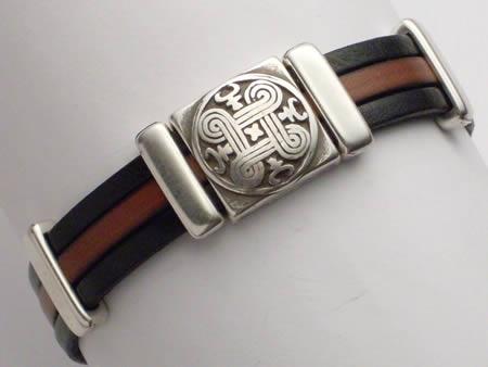 Edles Lederarmband mit Magnetverschluss schwarz-braun Celtic