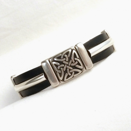 Lederarmband mit Magnetverschluss und celtischem Motiv
