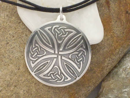 Silberamulett Keltisches Radkreuz