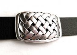 Gürtelschnalle mit keltischem Endlosknoten