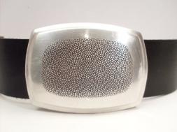 Koppelschließe rechteckig mit feinem Muster